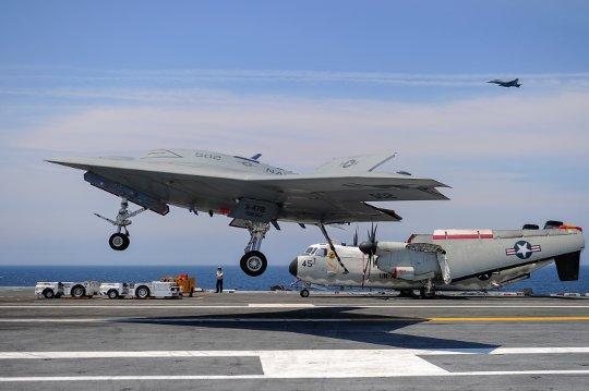 X-47B-landing