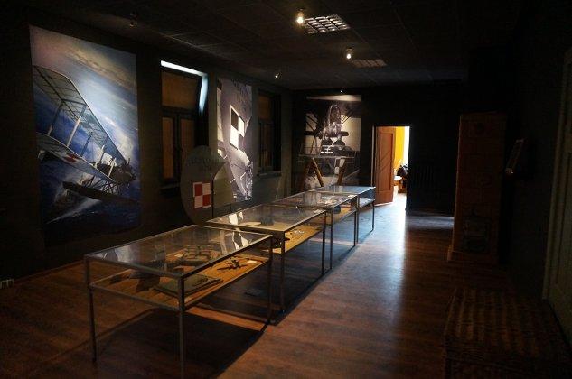Zdjecie nr 4 Sala wystawowa budynku Muzeum MDLot -  aut. L.Badowski